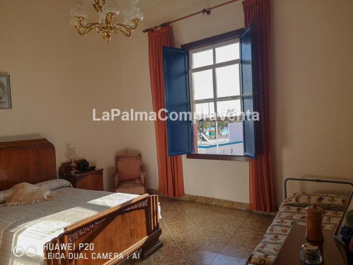 Property photo 42934039_ad1fde3d4fa24ad75118ff2787f9c69e.jpeg