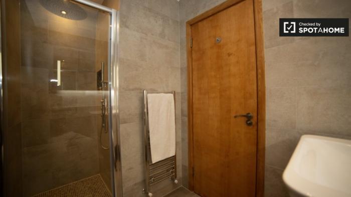 Property photo 44482975_04a692a768a388e9a86b284993ac945c.jpeg