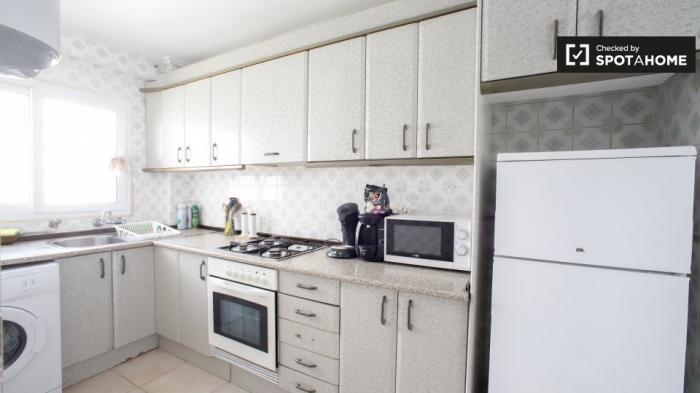 Property photo 44554343_cecf5f468cb7f7c583033e64e27a68a4.jpeg