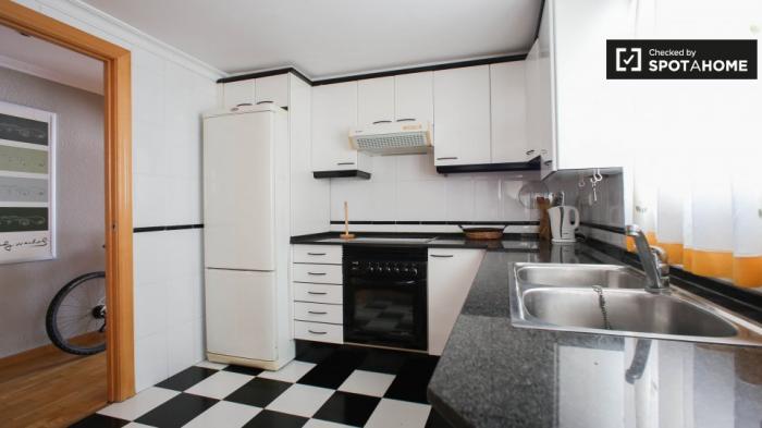 Property photo 44554434_3be8ff927139167d13d0dbc9bb54bdcb.jpeg