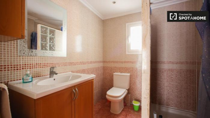 Property photo 44554434_a6fe33ea83d70ab82236de1a373402fd.jpeg