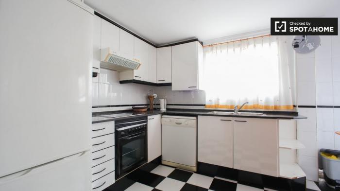 Property photo 44554434_fa75fbdf4e0ac7b50e3c92f00becb8bf.jpeg