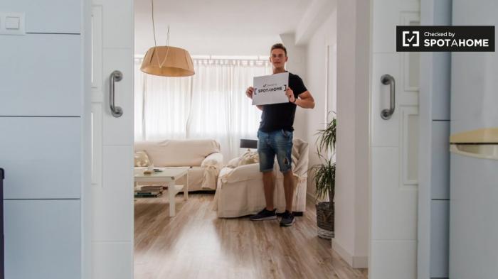 Property photo 44554541_e4f0b871af673dcb00858c5bbb427f8c.jpeg